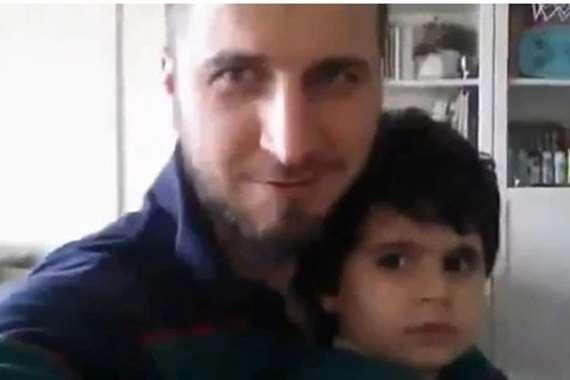 لاعب كرة قدم تركي بحنق ابنه