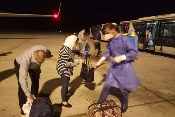 3 رحلات  استثنائية لمصر تقل 440 من العالقين  تصل مطار مرسى علم
