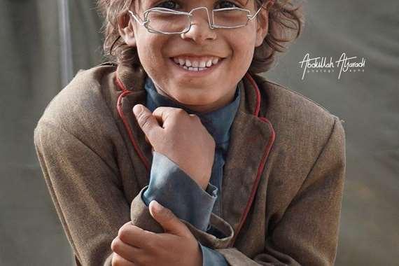 المحظوظ.. نظارة لطفل يمني في مزاد بـ 2.5  مليون ريال