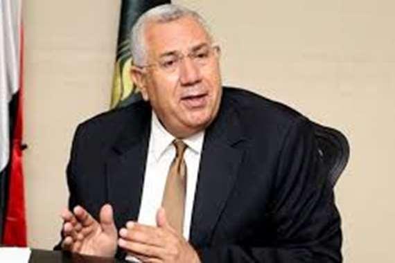 وزير الزراعة واستصلاح الأراضي السيد القصير