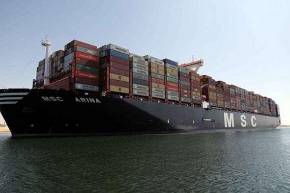 قناة السويس تشهد عبور أضخم سفينة حاويات في العالم