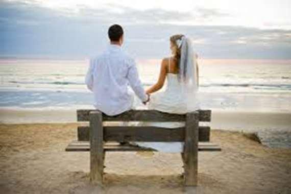 بجزيرة نائية.. هذا ما حدث لعريس وعروسة مصرية في شهر العسل
