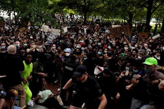 مظاهرات في الولايات المتحدة احتجاجا علي مقتل جورج فلويد