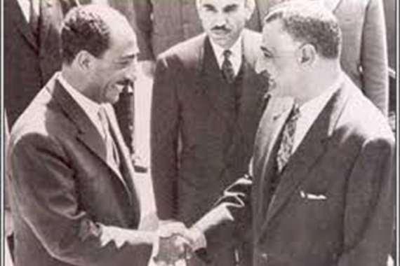 مكرم محمد أحمد: السادات كان عبقريا وفاق عبد الناصر