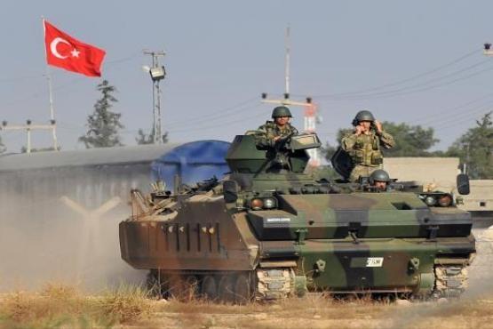 """الجيش التركي يقصف 71 هدفا لـ""""داعش"""" بسوريا"""