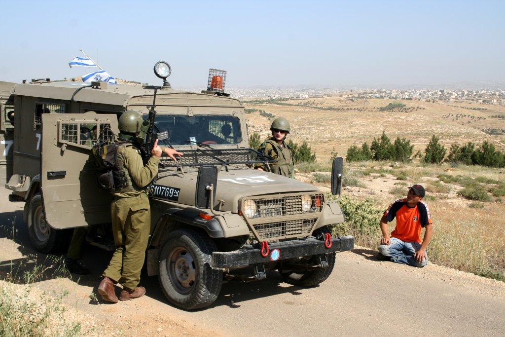 جيش الاحتلال: إطلاق نار باتجاه سيارة عسكرية شمال رام الله