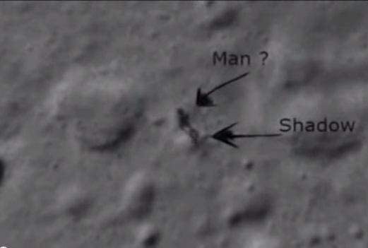 """بالفيديو.. جوجل يكشف """"إنسانا"""" على سطح القمر"""