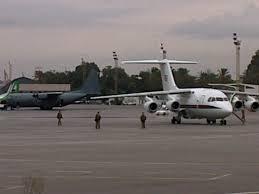 طائرة حربية تقصف مطار معيتيقة بالعاصمة طرابلس للمرة الثانية