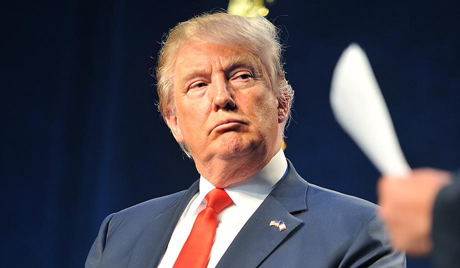 """""""اف بى آى"""" ترفض وقف أخبار مقربى ترامب مع روسيا"""
