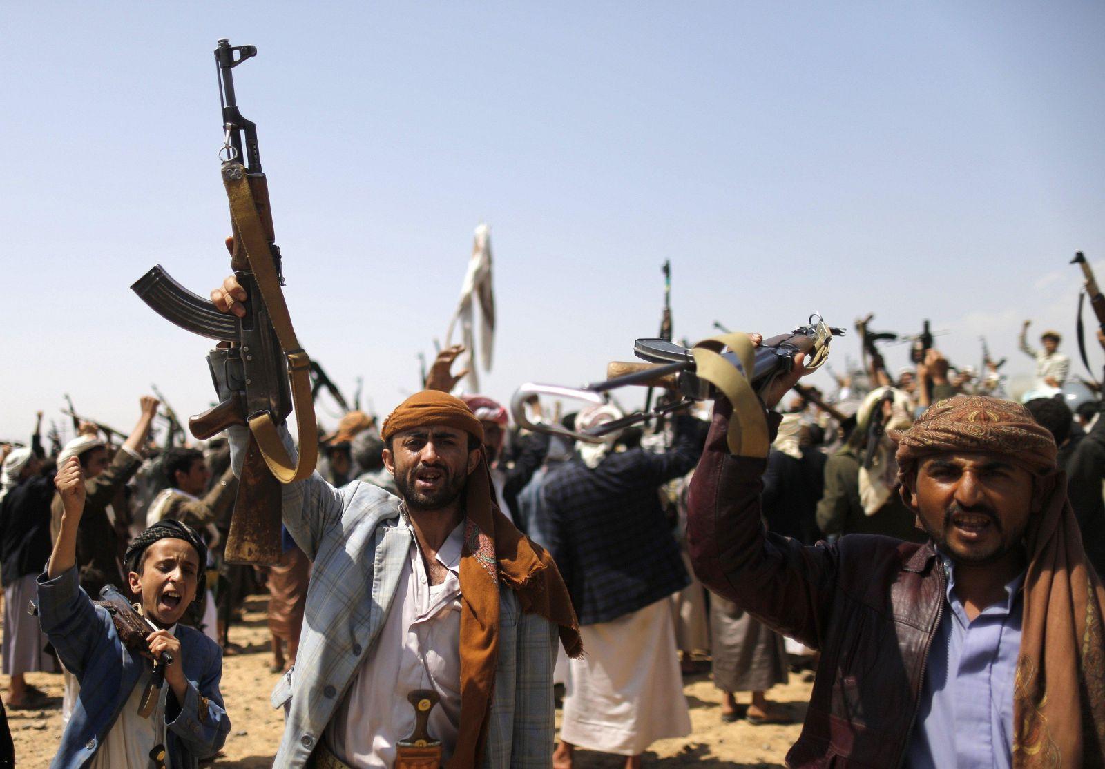 الحوثيون يخترقون الهدنة باليمن