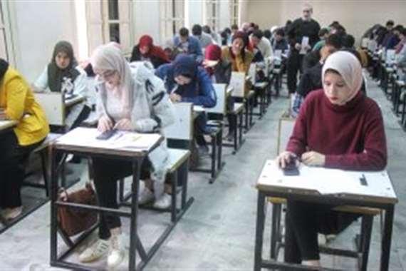 طالبات امتحان