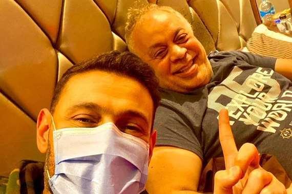 رامز جلال، وصورة له مع الفنان أشرف زكي