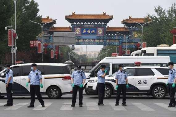 «طورائ حرب» في بكين بعد ظهور إصابات جديدة بكورونا