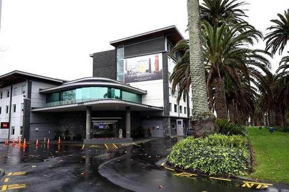 متسول يدعي إصابته بكورنا ويقيم في فندق 5 نجوم لمدة أسبوعين