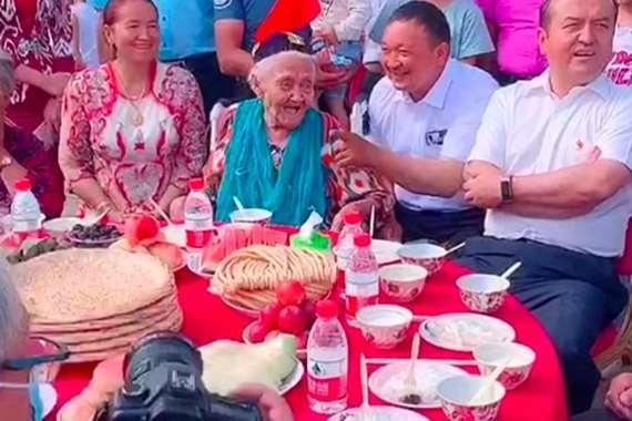 أكبر معمرة في العالم تحتفل بعيد ميلادها الـ 134