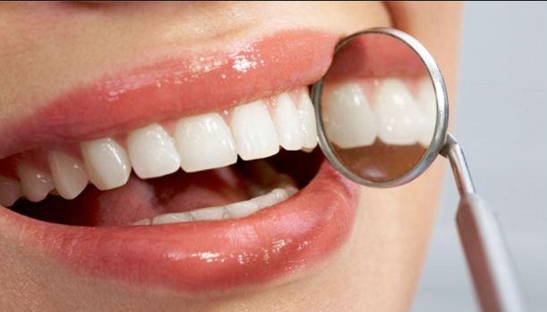 """""""مشكلات اللثة وآلام الأسنان"""" في مؤتمر بطب المنيا"""