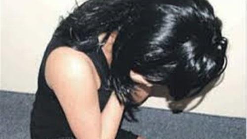 ضبط فتاة تمارس الرذيلة مع 5 رجال بالإسماعيلية