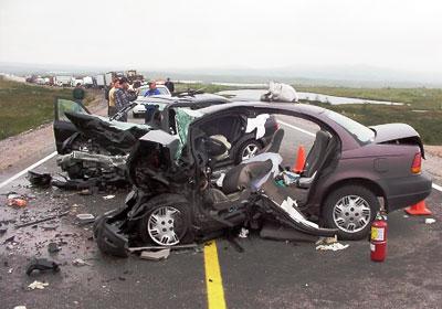 إصابة 3 نتيجة حادث سيارة على الطريق الدولي