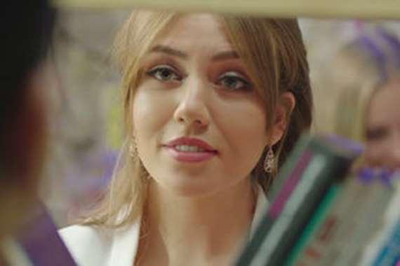 الفنانة رحمة حسن