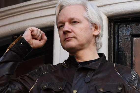 مؤسس ويكيليكس الأسترالي جوليان أسانج