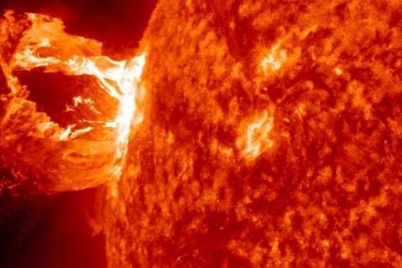 انفجار شمسي