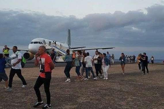 اخلاء طائرة
