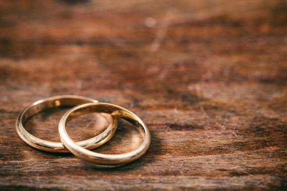 طفلة عمرها 12عامًا تتزوج من رجل يكبرها بـ 33 عامًا