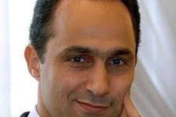 """"""" نسمات الجمال"""".. شاعر سعودي يهدي قصيدة شعرية لجمال مبارك"""