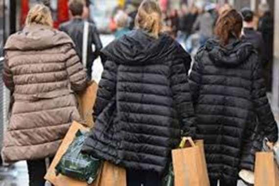 """""""مليار استرليني"""".. مبيعات شركة أزياء عبر الإنترنت في هذه الدولة"""