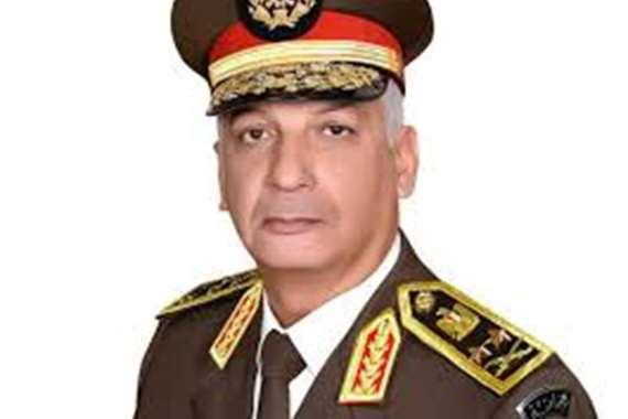 إعلامي شهير : أتمنى من وزير الدفاع منحي هذا الشرف