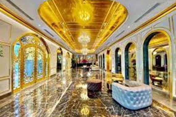فندق مطلي بالذهب من الداخل ومن الخارج