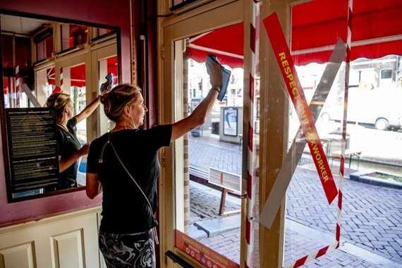 بائعات الهوى في هولندا يستأنفن نشاطهن مجددًا