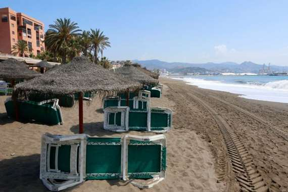 كورنيش شاطئ في مدينة ملقة الإسبانية
