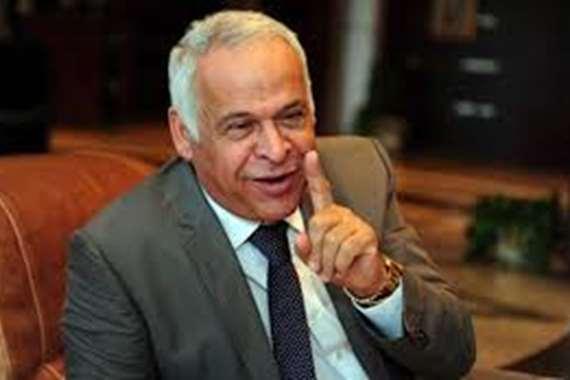 معارضى سموحة بالإسكندريه يفتحون النارعلى رئيس برلمانية الشباب والرياضة