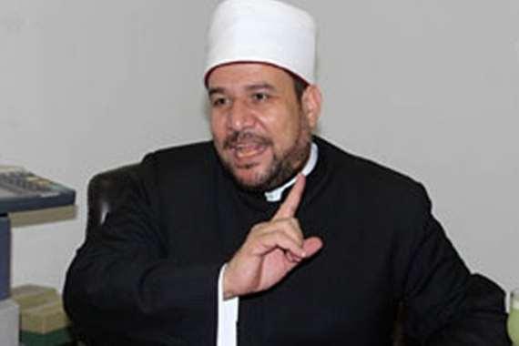 أبو بكر يهاجم وزير الأوقاف : توقف