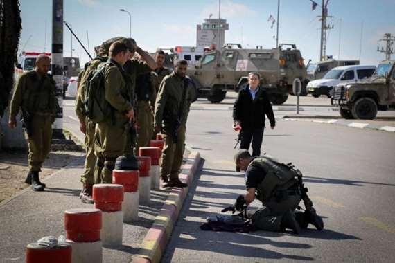 الاحتلال يطلق النار على فلسطيني بزعم محاولة طعن - أرشيفية