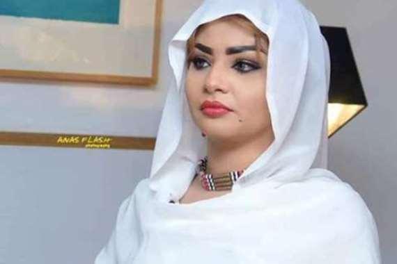 المذيعة السودانية إسراء عادل
