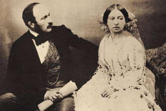الملكة فكتوريا مع الأمير البرت