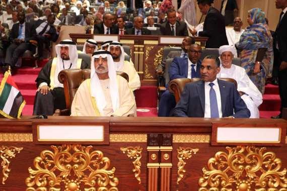 نهيان بن مبارك خلال حضوره مراسم تنصيب الغزواني رئيساً لموريتانيا
