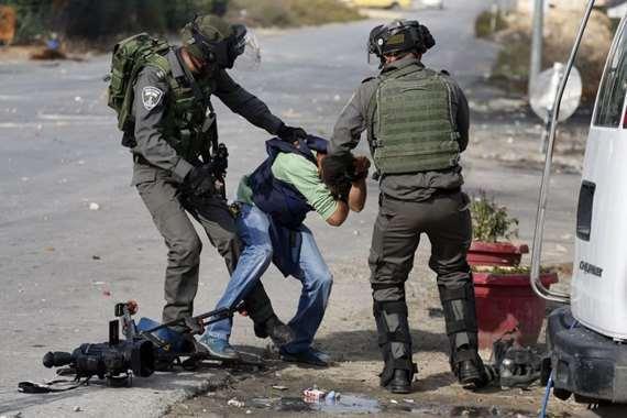 اعتداء جيش الاحتلال على صحفيين - أرشيفية