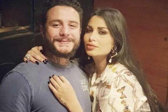 الفيشاوي وزوجته