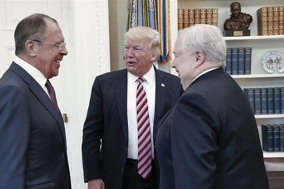لقاء ترامب ومسئولين روس