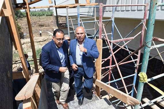مدبولي خلال زيارته لمحافظة المنيا