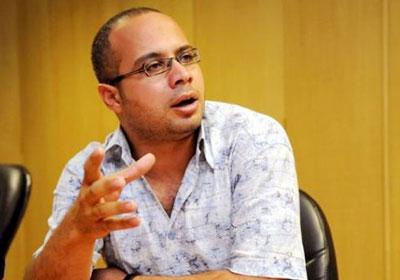 محامي أحمد ماهر: المراقبة وسيلة تعذيب لموكلى