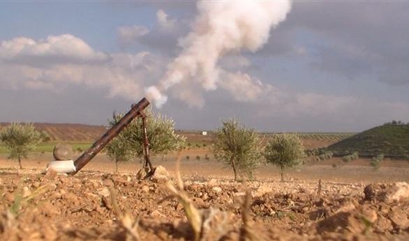 بالفيديو.. مجهولون يطلقون قذيفة على معسكر أمني بجوار مطار العريش