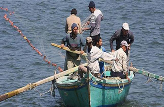 اختفاء ٣٠ صيادًا قرب السواحل الليبية