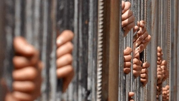 حبس عصابة سرقة ملايين الدولارات من حسابات عملاء البنوك