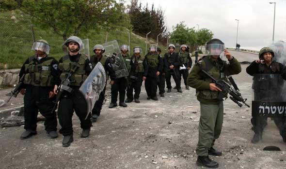الاحتلال يعتقل 24 فلسطينيا في الضفة الغربية