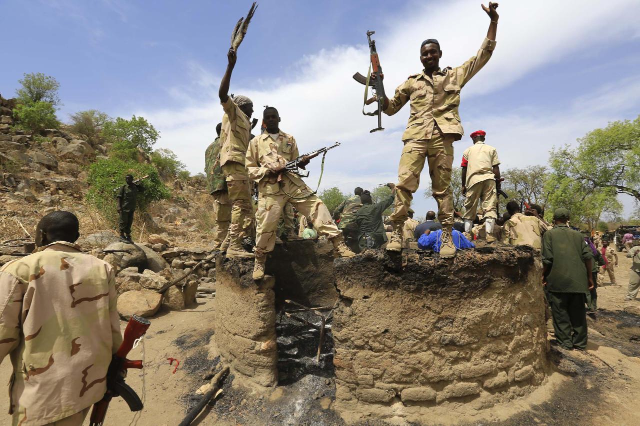 قطر تُسرّح 1400 مقاتل في دارفور