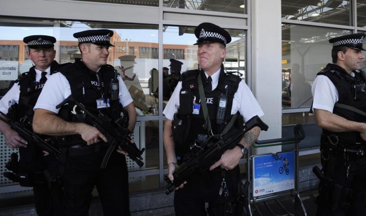 اعتقال شخص بسبب طرد مشبوه في لندن